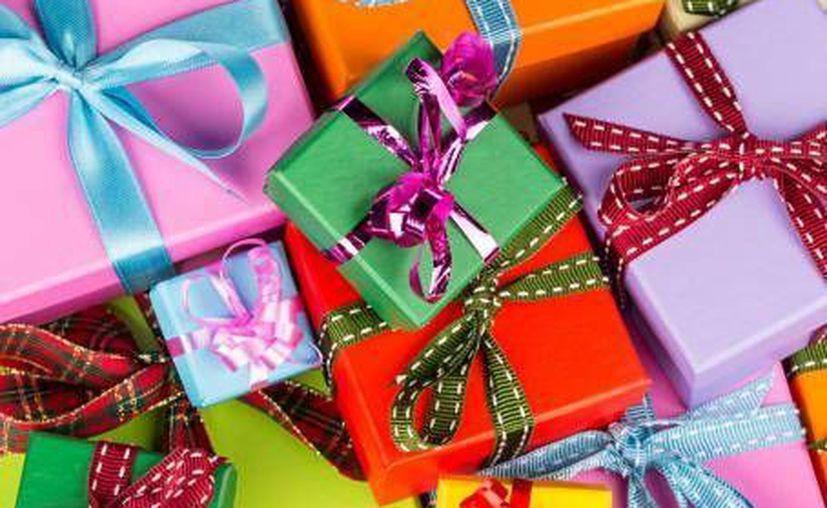 Si estás buscando el regalo original, un seguro puede ser una buena opción. (El Financiero)