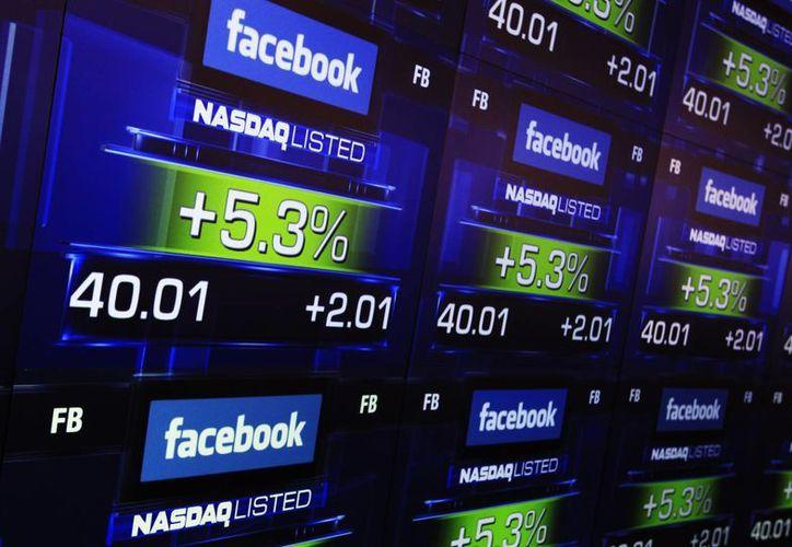 Las acciones de Facebook en la Bolsa han sufrido algunas caídas. (Archivo/Reuters)