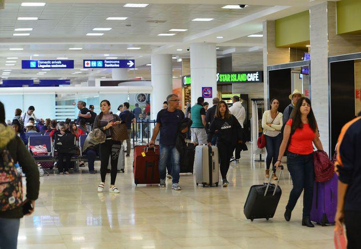 Los vuelos traerán más visitantes estadounidenses hacia los destinos turísticos del estado. (Karim Moisés/SIPSE)