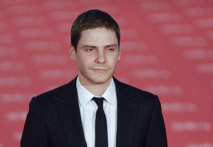 """El actor Daniel Brühl (""""Inglourious Basterds"""") coprotagoniza la cinta sobre Wikileaks en el papel de  Daniel Domscheit-Berg. (EFE)"""