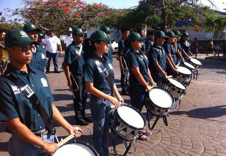 Banda de Guerra del Sindicato de Telefonistas. (Sergio Orozco/SIPSE)