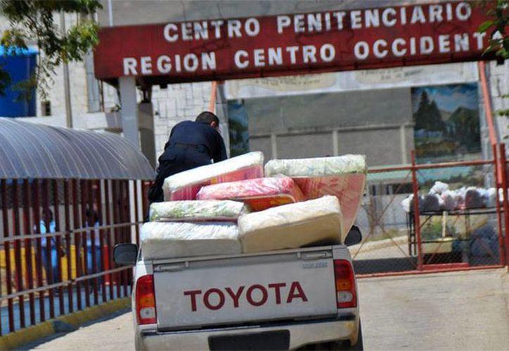 Un motín que estalló desde el lunes en la penitenciaria David Viloria, en Venezuela, cobró sus primeras víctimas, informaron las autoridad. El penal sigue fuera de control. (elimpulso.com)
