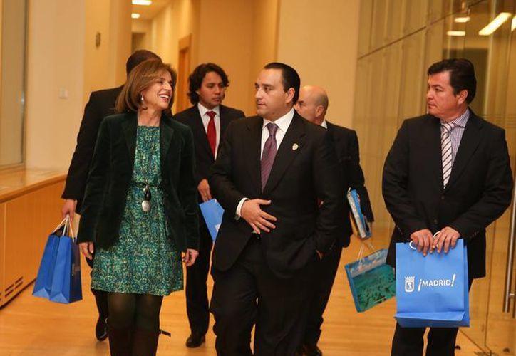 Ana Botella y Roberto Borge en el Palacio del Ayuntamiendo de Madrid. (Redacción/SIPSE)