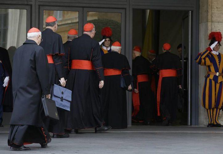 Los 115 cardenales electores tienen ante sí una gran disyuntiva. (Agencias)