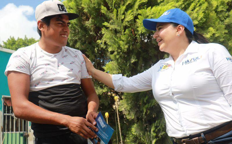 La candidata para el Senado, Mayuli Martínez, realizó un recorrido por Tulum. (Foto: Redacción)