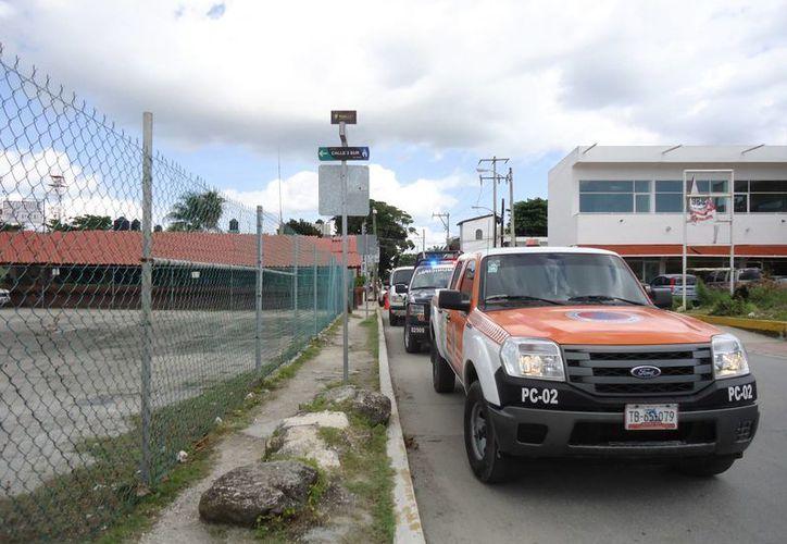 Los cuerpos de auxilio se movilizaron rápidamente; no se reportaron heridos. (Octavio Martínez/SIPSE)