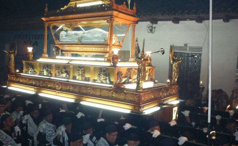 El ritual que vive Sonsonate, a través de las procesiones, el Viacrucis y el Santo Entierro, es único en El Salvador. (Facebook oficial)