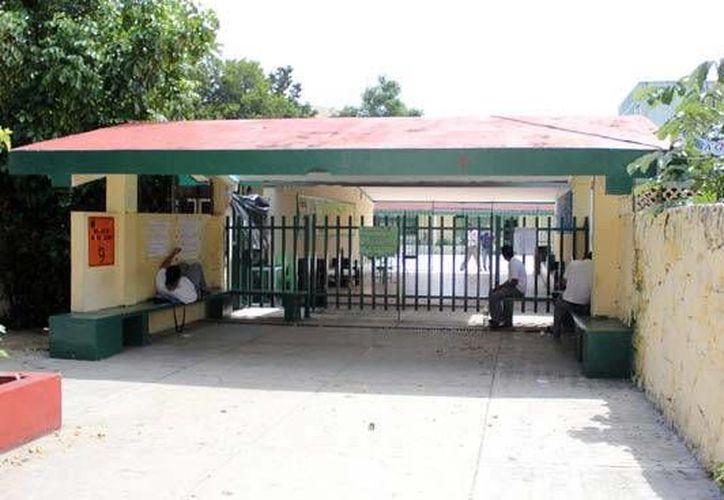Escuela Wichita, en el parque de Las Palapas, sin clases. (Redacción/SIPSE)