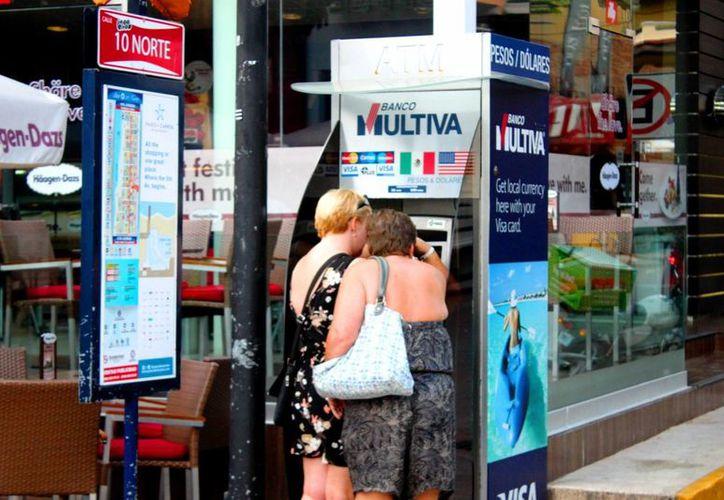 Solicitarán apoyo a las autoridades federales para evitar fraudes a turistas. (Foto: Daniel Pacheco/ SIPSE)