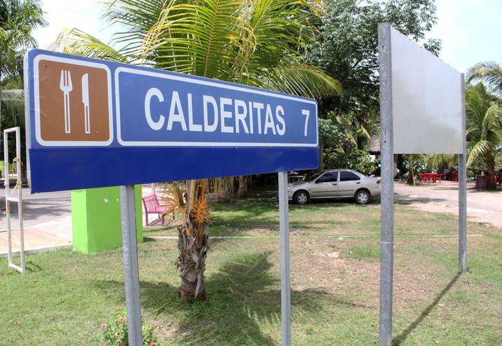 A la fecha, el sector restaurantero del poblado trabaja en un 50% en su capacidad. (Joel Zamora/SIPSE)