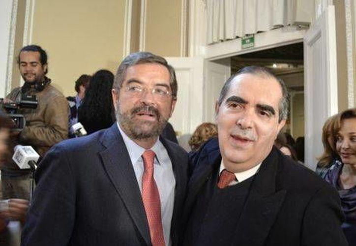 Juan Ramón de la Fuente y Guillermo Tovar de Teresa. (Abraham Reza/Milenio)