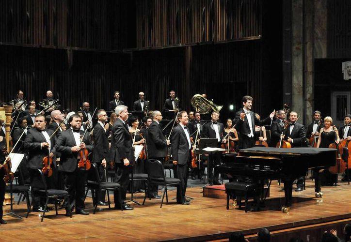 Regresan al teatro 'José Peón Contreras' la Orquesta Sinfónica de Yucatán con su nueva temporada. (Archivo/SIPSE)