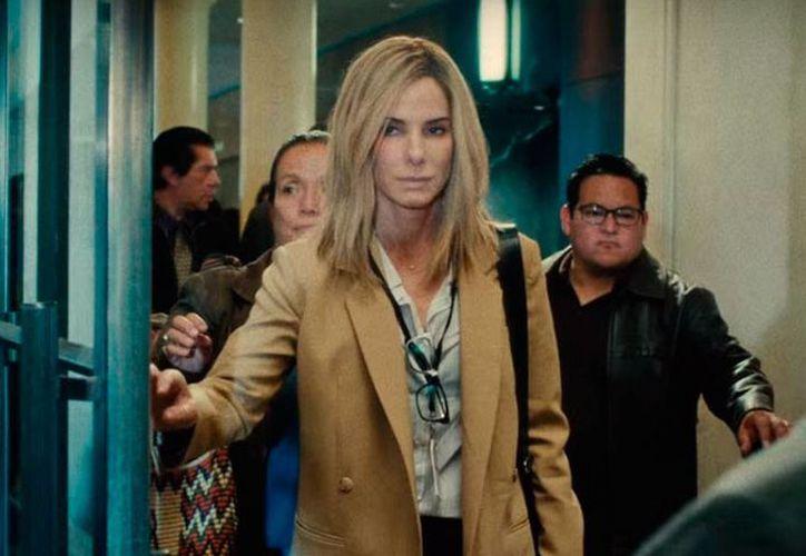 Sandra Bullock protagoniza el filme 'Our brand is crisis', cuyo estreno tuvo una baja recaudación en taquillas de Estados Unidos y Canadá. (YouTube/Warner Bros Pictures)