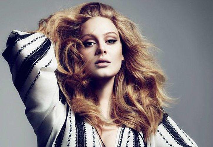En 2012, la cantante Adele apareció muy delgada en la revista Vogue. (Vogue)