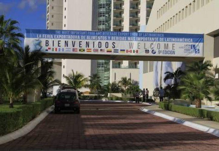 Los productores y empresarios presentaron sus productos durante el Latin America Food Show realizado en Cancún, Quintana Roo. (Redacción/Internet)
