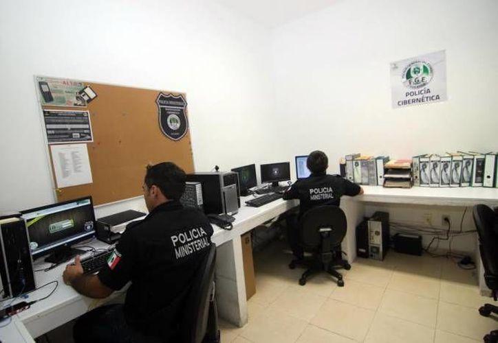 Autoridades como  Policía Cibernética de la Fiscalía General del Estado y de la Policía Federal no han podido cerrar la página de Yucatercos, en la que yucatecas menores de edad son expuestas desnudas y además se les extorsiona. (Milenio Novedades/Foto de contexto)