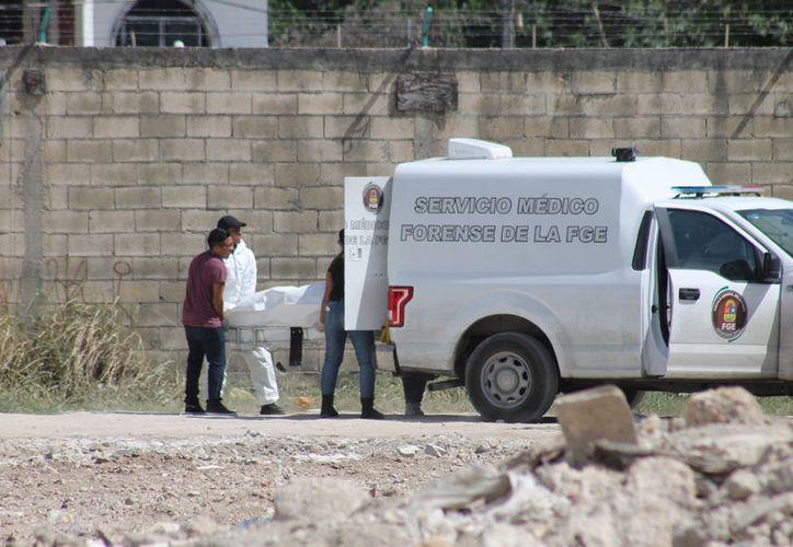Las autoridades acordonaron la zona para proceder a retirar el cadáver. (Redacción/SIPSE)