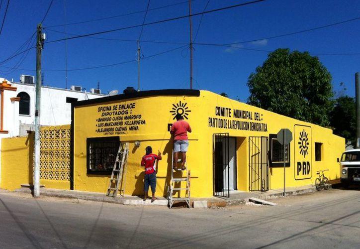 El grupo parlamentario del PRD en San lázaro inauguró su casa de enlace en Tekax. (Cortesía)