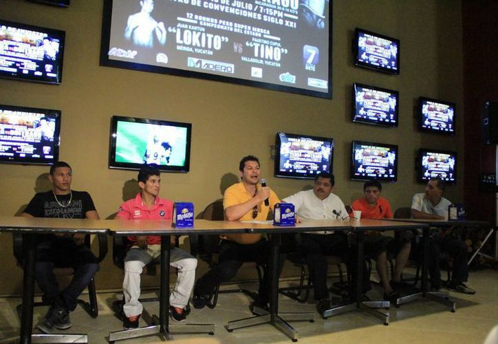 Mario Abraham Xacur anunció la pelea de título mundial OMB. (Milenio Novedades)
