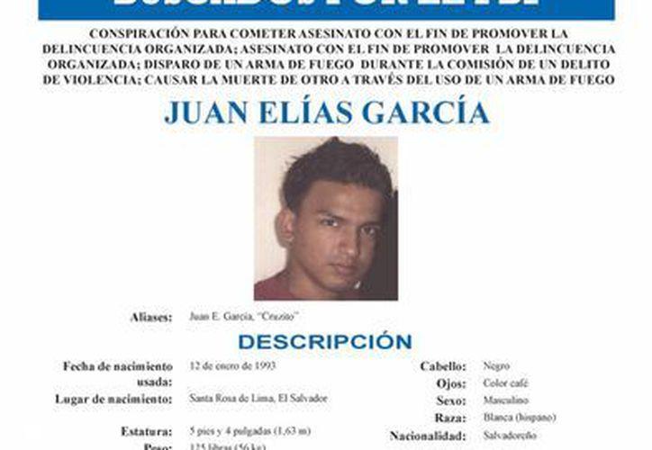 """Poster suministrado por el FBI que muestra al salvadoreño Juan Elías García, alias """"Crucito"""" y miembro de la pandilla MS-13. (EFE)"""