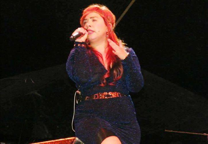 Morrison interpretó las canciones favoritas de la audiencia. (Milenio Novedades)