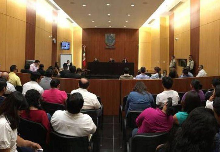 Imagen de una de las diligencias durante el juicio por el caso Triay Peniche. (Milenio Novedades)