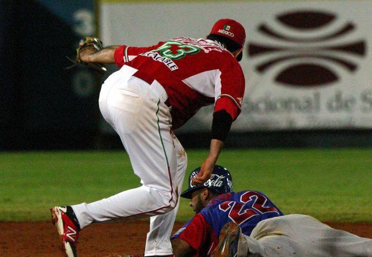 Todo se decidió en el noveno inning con una gran jugada de Valle. (Notimex)