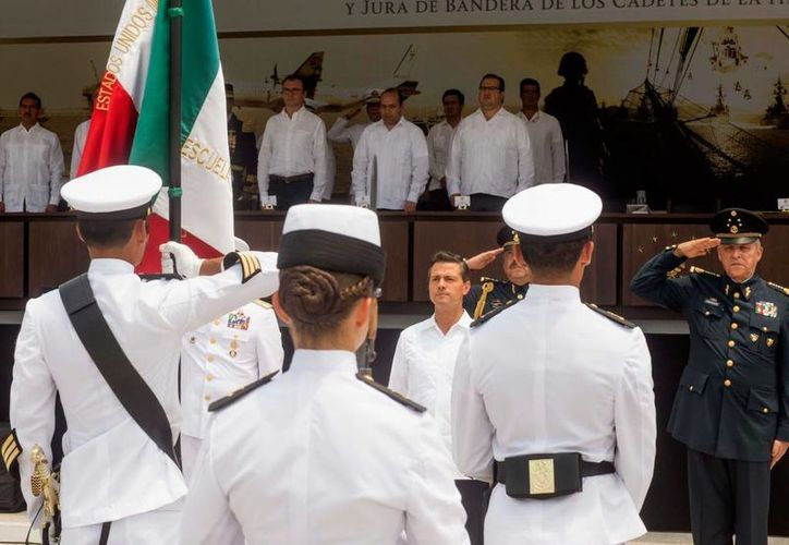 El Presidente de México encabezó la ceremonia del 101 Aniversario de la Defensa de Veracruz, en la H. Escuela Naval Militar. (Foto: presidencia.gob.mx)