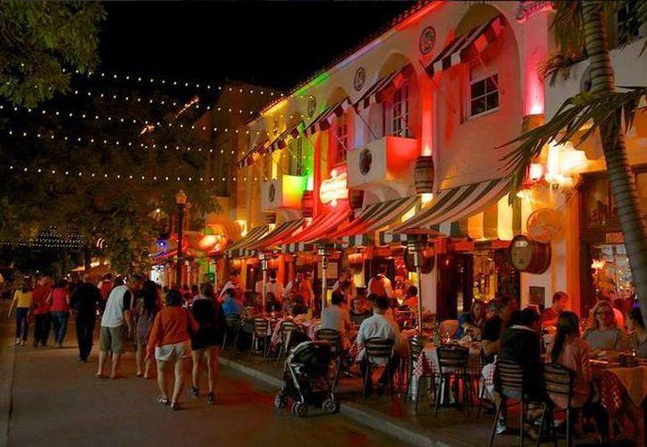 Una pequeña parte de Cuba se mantiene viva dentro de esta zona de Miami. (twitter/@nexoskygroup)