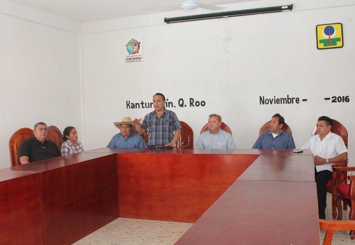 Las autoridades y organizadores invitan a las poblaciones vecinas. (Raúl Balam/SIPSE)