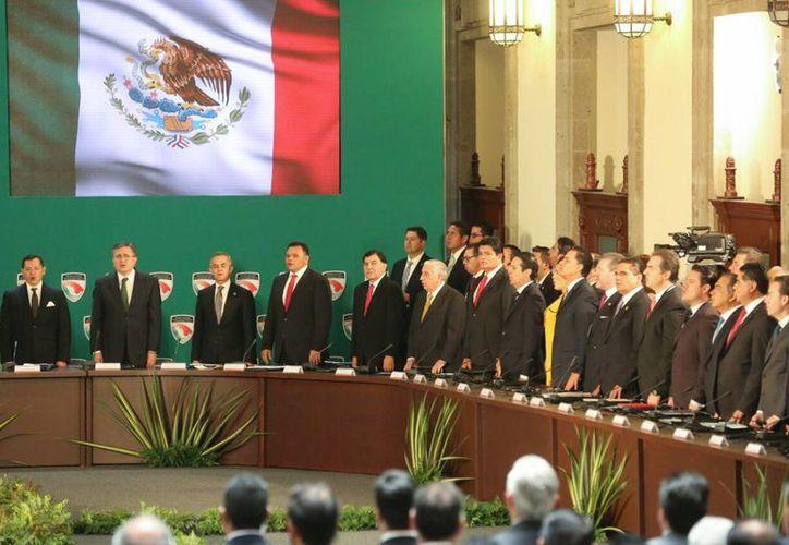 El Gobernador apoyó este martes en en el Consejo Nacional de Seguridad Pública la propuesta para la implementación del número de emergencia 911. (Foto cortesía del Gobierno de Yucatán)