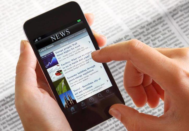 Aproximadamente 60 por ciento de los usuarios de móviles dedican más de una hora para navegar en internet. (clubefiel.com.br)