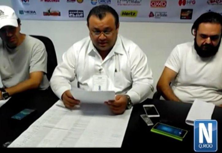 Como observadores electorales, los empresarios de la Coparmex enlistaron las irregularidades que documentaron desde el inicio de jornada en la Eleccion 2016 hasta las 3 de la tarde. (Stephani Blanco/SIPSE)