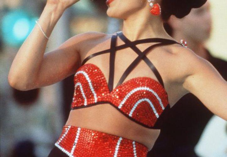 A más de 22 años de su muerte, en redes sociales compartieron fotos de Selena Quintanilla posando en bikini. (Foto: Guardian Nigeria)