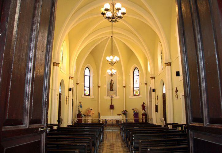 Las iglesias góticas, como tantas otras en Yucatán, se han convertido en un atractivo turístico. (José Acosta/SIPSE)