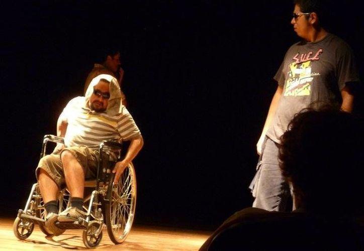 Una interesante propuesta de teatro con una producción mínima. (Alejandra Flores/SIPSE)