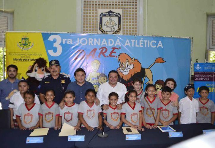 Imagen de la presentación de la III Jornada Atlética DARE realizada por el Ayuntamiento de Mérida. (Milenio Novedades)