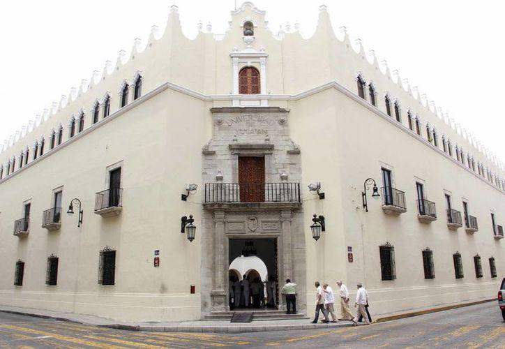 El edificio central de la Universidad Autónoma de Yucatán (UADY).