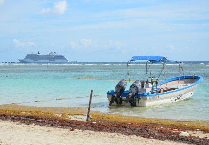 En temporada de lluvia aumenta el índice de contaminación en playas de Chetumal. (Foto: Redacción)