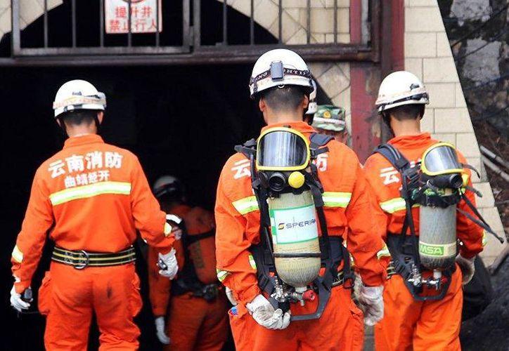 También hay 25 personas atrapados en la mina administrada por China National Coal Group. (Twitter)