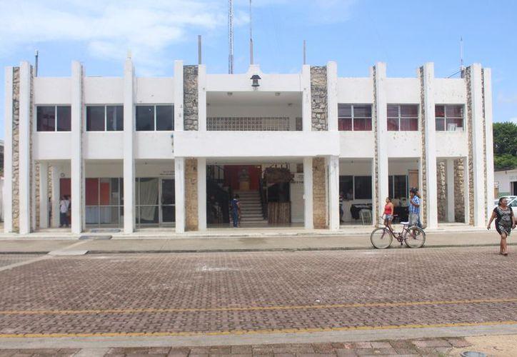 El 20 de septiembre, Novedades Chetumal publicó que cuatro funcionarios habían solicitado amparos para evitar ser detenidos. (Jesús Caamal/SIPSE)