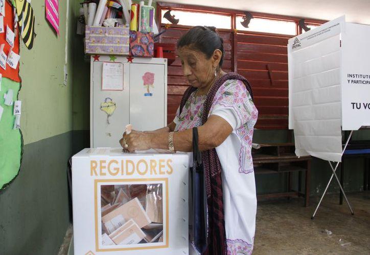 El PRI se declara vencedor en Mama. (Juan Albornoz/SIPSE)