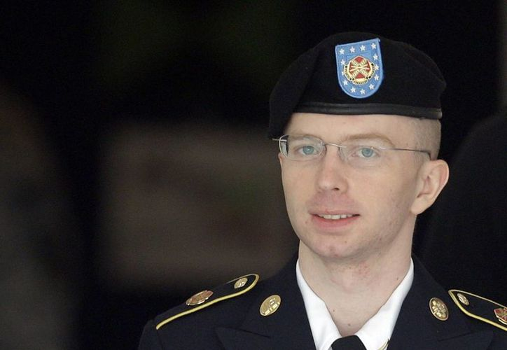 La acusación pide que Manning sea expulsado del Ejército con deshonor y pague una multa de 100 mil dólares. (Agencias)