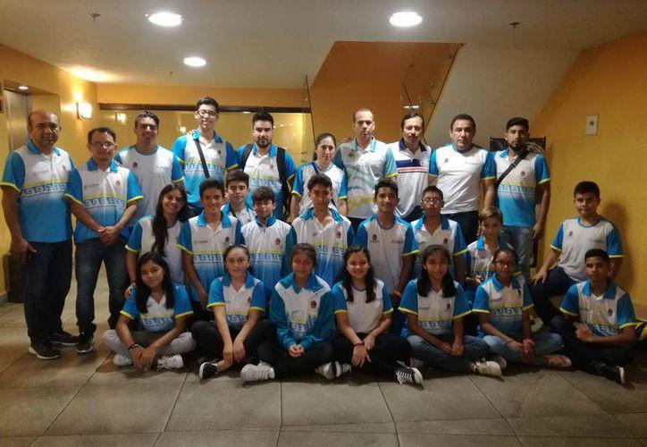 La delegación arribó a Monterrey para la primera etapa de competencias. (Raúl Caballero/SIPSE)