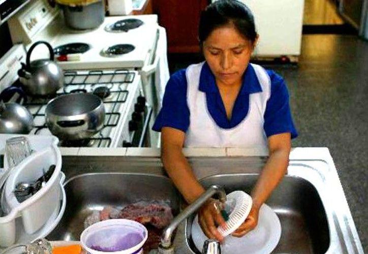 Las trabajadoras del hogar, en su mayoría son jóvenes procedentes de zonas rurales y marginadas, como la Huasteca y Oaxaca. (Contexto/ Internet)