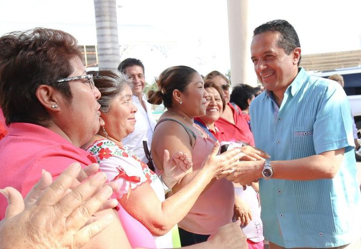El gobernador Carlos Joaquín promueve acciones en beneficio de los quintanarroenses. (Redacción/SIPSE)