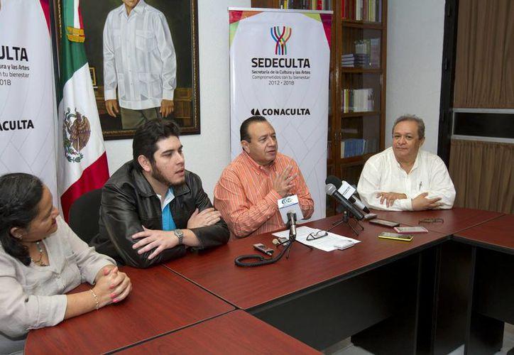 Los organizadores del Primer Encuentro Literario del Sureste apuntaron que se presentarán distintas mesas panel, foros de discusión, análisis y creación a partir de este miércoles en la Sala de Arte del teatro Armando Manzanero. (Notimex)
