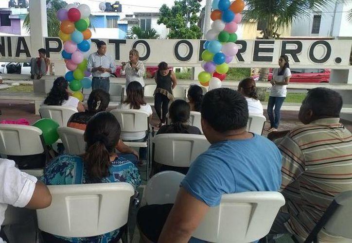Alrededor de 80 mujeres se registraron en la fundación. (Harold Alcocer/SIPSE)