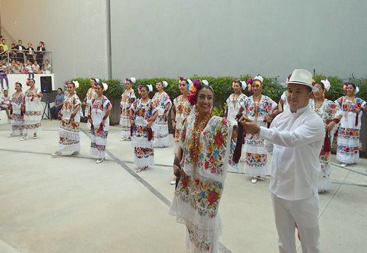 El Centro Municipal de Danza cuenta con la participación de más de mil alumnos del Municipio de Mérida y sus comisarias.(Milenio Novedades)