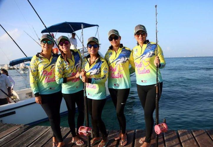 La pesca deportiva es una actividad válida para ambos sexos y todas las edades. (SIPSE)